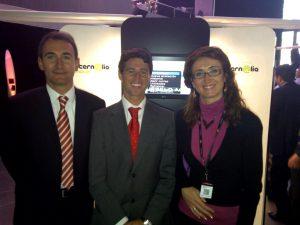 Jose Luís Sanchez, nuestro delegado comercial en Madrid junto con Raúl Fraile, responsable Telefónica en Latinoamérica y Julia Fraile, responsable programa MovilForum España
